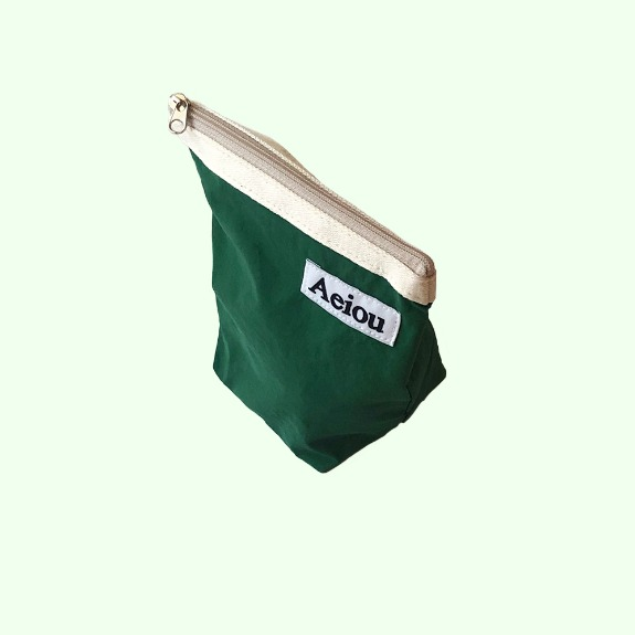 Aeiou Basic Pouch (M size)Deep Green