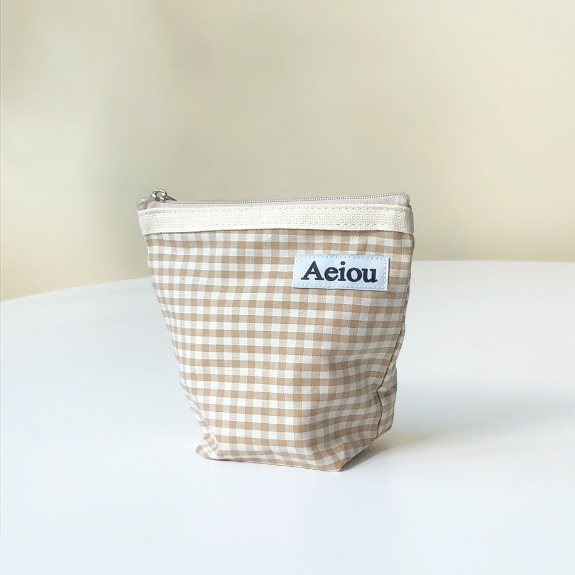 Out of stock / Aeiou Basic Pouch (M size)Beige Ginghamcheck
