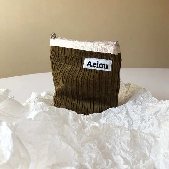Out of stock / Aeiou Basic Pouch (M size)Olive Corduroy