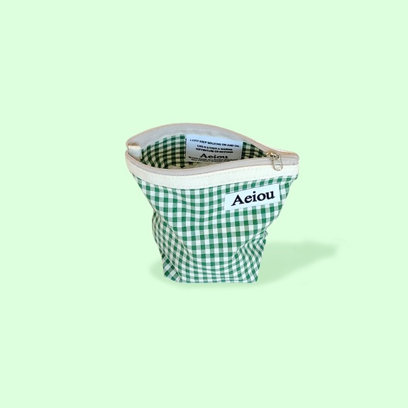 Out of stock / Aeiou Basic Pouch (M size)Spring green check