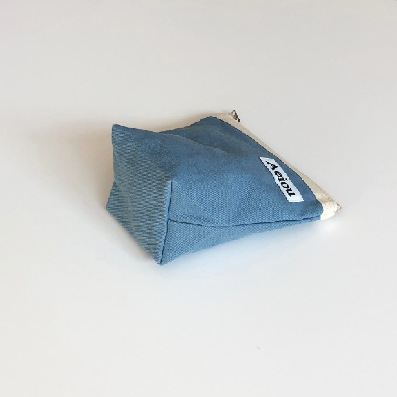 Out of stock / Aeiou Basic Pouch (M size)Cotton Blue