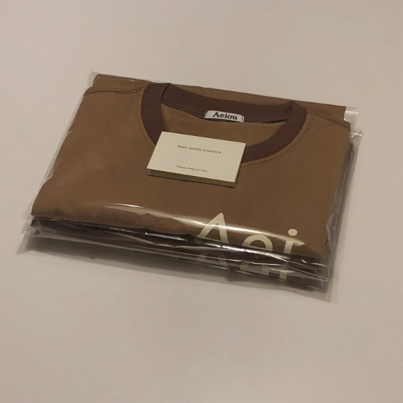 Aei    ou T-shirtBrown (Neck rib ton on ton brown)