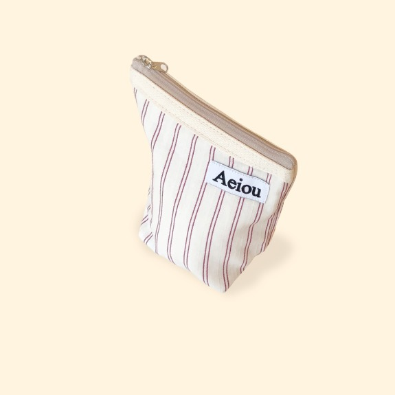 Aeiou Basic Pouch (M size) Cotton Red Line
