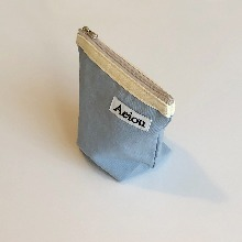 Out of stock / Aeiou Basic Pouch (M size)Vanilla Blue