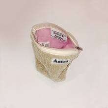 Aeiou Basic Pouch (M size) Dusty Puppy fur