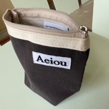 Aeiou Basic Pouch (M size) Ebony wood