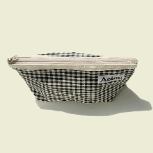 Aeiou Basic Pouch (L size) Black Ginghamcheck